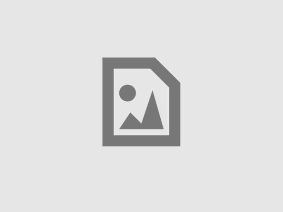 Sztárok álomkérói - Megan Fox nemrég vásárolt háza. Azért azt a kis pálmát sajnáljuk. Ott a sarokban biztos nem kap sok fényt :(
